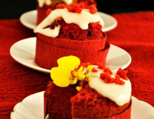 red-velvet-cupcakes-2p