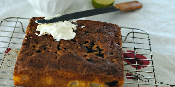 Pears and blueberries gluten free cake