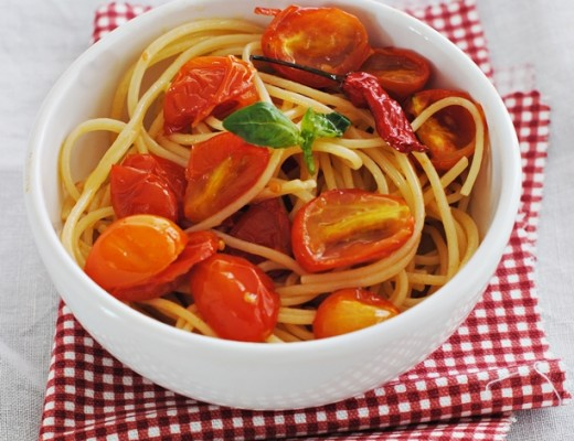 spaghetti pomodorini pic